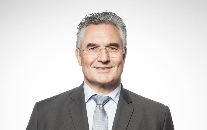 Dr. Walter Husemann